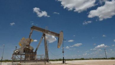 Photo of أسعار النفط تصعد أكثر من مع تنامي التوترات بالشرق الأوسط