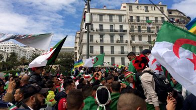 Photo of آلاف الجزائريين يتظاهرون رفضا | جريدة الأنباء