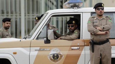 Photo of بالفيديو الاستعانة بالشرطة لإقناع   جريدة الأنباء