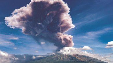 Photo of بالفيديو بركان جبل اغونغ يثور مجددا | جريدة الأنباء