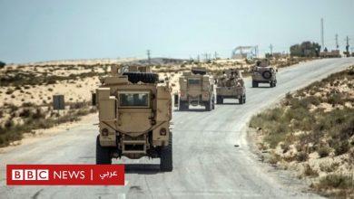Photo of متحدث عسكري: مقتل وإصابة 10 من أفراد الجيش المصري في انفجار عبوة ناسفة بسيناء