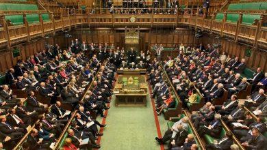 Photo of البرلمان البريطاني يدعم تعديلاً قانونياً لمنع الخروج من الاتحاد بدون اتفاق