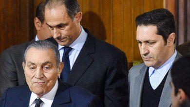 Photo of علاء مبارك يرد على إشاعة وفاة والده