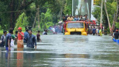 Photo of مقتل وتشرد الآلاف بسبب فيضانات اجتاحت غرب الهند