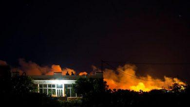 Photo of حريق غابات يدفع السلطات الإسبانية لإخلاء منطقة في جزر الكناري