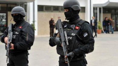 Photo of الشرطة التونسية تعتقل أشخاص كانوا بصدد تنفيذ اعتداءات ضد قوات ..