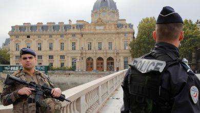 Photo of فرنسا تجريد شرطيين من أسلحتهما بسبب مخاوف من تطرفهما