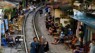Photo of فيتنام تغلق مقاهي شارع القطار