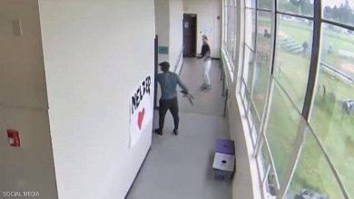 Photo of بالفيديو مدرب بطل ينتزع سلاحا من يد | جريدة الأنباء