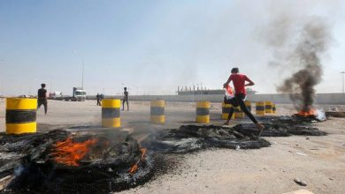 Photo of اشتباكات بين محتجين عراقيين وقوات الأمن بالتزامن مع إغلاق مينا..