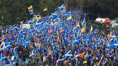 Photo of الاسكتلنديون يتظاهرون من أجل الاستقلال عن بريطانيا