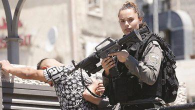 Photo of اتهامات لشرطية إسرائيلية أطلقت النار على فلسطيني من الخلف للتس..