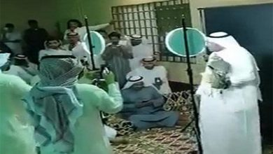 Photo of بالفيديو بيع صقر بسعر صادم في مزاد   جريدة الأنباء