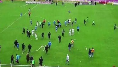 Photo of بالفيديو مباراة كرة قدم تتحول إلى   جريدة الأنباء