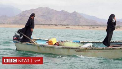 Photo of يمنيتان تواجهان البر والبحر سعيا للرزق
