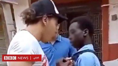 Photo of عنصرية أم تنمر؟ ماذا يخبرنا فيديو التعرض لمراهق من جنوب السودان في مصر؟