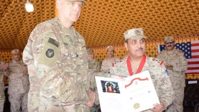 Photo of تقليد آمر المدفعية الكويتية وسام شرف سينت باربارا الأمريكي