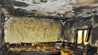 Photo of النيران تحتجز شخصًا داخل منزل في الأحمدي
