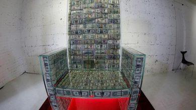 Photo of فقط في روسيا الجلوس على عرش من الدولارات