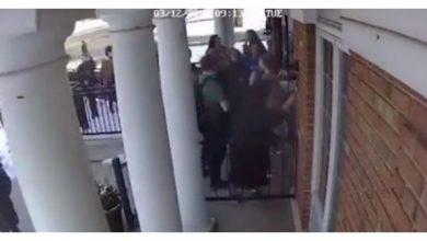 Photo of بالفيديو طالبة مسلمة تفتح أبواب | جريدة الأنباء