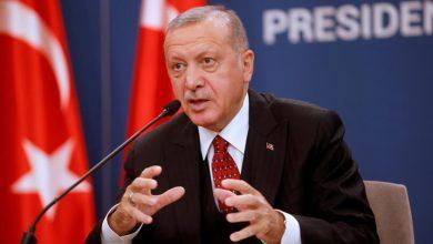 Photo of أردوغان نحو ألف سوري يفرون من إدلب باتجاه تركيا