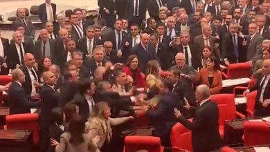 Photo of بالفيديو عراك داخل البرلمان التركي | جريدة الأنباء