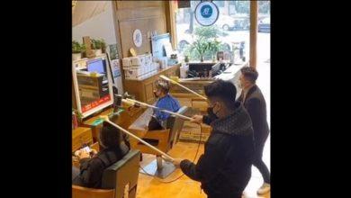 Photo of بالفيديو الحلاقة عن بعد في الصين   جريدة الأنباء