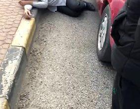 Photo of بالفيديو الداخلية سقوط الوافد أرضا   جريدة الأنباء