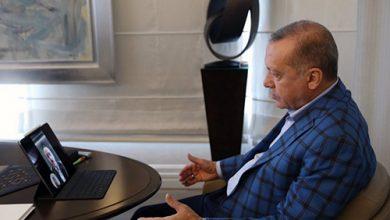 Photo of أردوغان يستمع لصوت الأذان