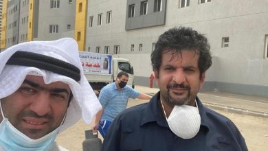 Photo of بالفيديو وزير التجارة يحيي مواطنا   جريدة الأنباء