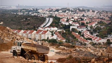 Photo of وزير دفاع الاحتلال يصادق على مصادرة أراض فلسطينية في الخليل