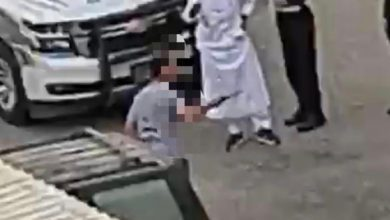 Photo of الداخلية ضبط شخص بحالة غير طبيعية بالمهبولة هدد المارة بآلة حا..