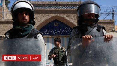 Photo of انتقادات للشرطة الإيرانية بعد مقتل لاجئين أفغان في حريق سيارة