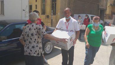 Photo of الهلال الأحمر يواصل توزيع المساعدات على الأسر المتضررة في لبنان