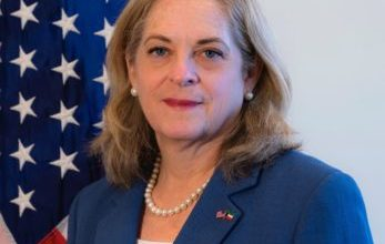 Photo of السفيرة الأميركية الأمير أول زعيم   جريدة الأنباء