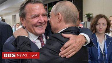Photo of المستشار الألماني السابق شرودر يتعرض لانتقادات شديدة لدعمه بوتين