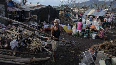 Photo of ارتفاع ضحايا الإعصار فامكو في الفلبين إلى قتيلاً