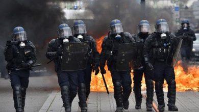 Photo of فرنسا اشتباكات بين الشرطة ومتظاهرين ضد قانون الأمن الشامل