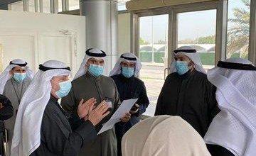 Photo of وزير الصحة يتفقّد المواقع المجهزة في أرض المعارض لعملية التطعي..