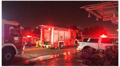 Photo of فرق الاطفاء تسيطر على حريق كراج بالشويخ الصناعية