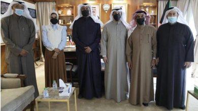 Photo of وزير الإعلام يلتقي برئيس نقابة الفنانين والإعلاميين وأعضاء الن..