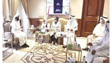 Photo of وزير الإعلام استقبل عددا من   جريدة الأنباء