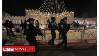 Photo of القدس الشرقية: عشرات الجرحى في اشتباكات بين الشرطة ومتظاهرين فلسطينيين ويهود متطرفين