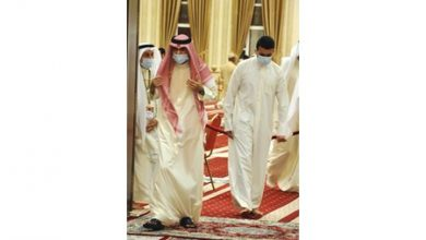 Photo of صاحب السمو يتقدم جموع المصلين في | جريدة الأنباء