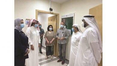 Photo of وزير الصحة يتفقد عيادة المسافر في | جريدة الأنباء