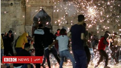 Photo of الشيخ جراح: إصابة عشرات الفلسطينيين في اشتباكات في القدس