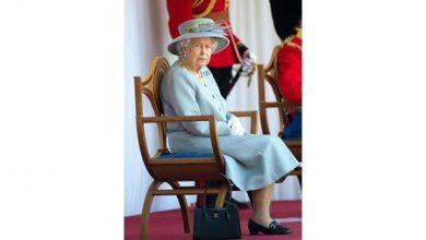 Photo of ملكة بريطانيا تشهد مراسم عسكرية محدودة في قلعة وندسور بمناسبة عيد ميلادها الرسمي