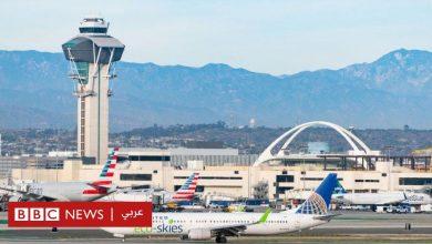 Photo of القبض على رجل قفز من طائرة بعد فشله في اقتحام قمرة القيادة قبل الإقلاع من مطار لوس أنجليس