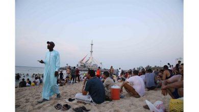 Photo of شواطئ الكويت تحتضن الوافدين في عطلة العيد
