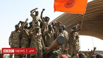 "Photo of محاولة انقلاب السودان: مغردون منقسمون هل هي ""مسرحية"" أم ""مؤامرة ضد الثورة""؟"